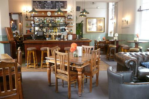 Publove @ The White Ferry, Victoria - Hostel - London - Bar