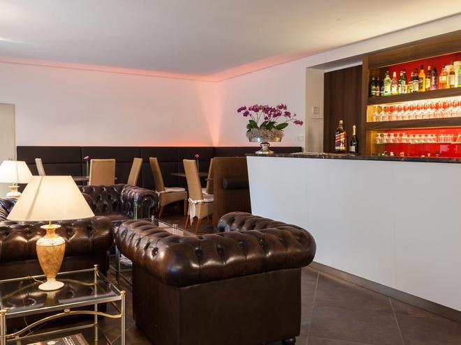 carathotel München City - Munich - Bar
