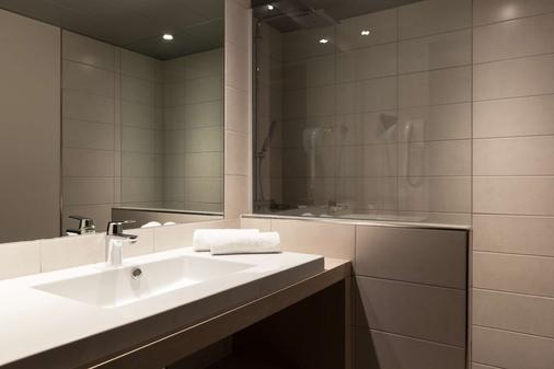 The Originals Boutique, Hôtel d'Alsace, Strasbourg Sud - Illkirch-Graffenstaden - Bathroom