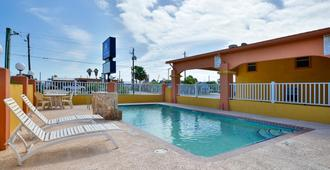 Americas Best Value Inn Port Aransas - Port Aransas - Pool