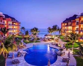 Vivo Resorts - Puerto Escondido - Pool