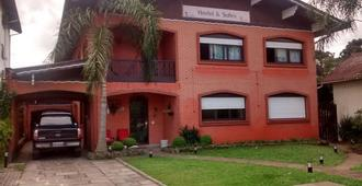 Hostel E Suites Scheckinah - Canela - Edificio