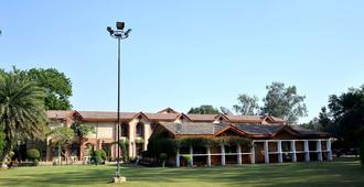 Ashok Country Resort - New Delhi - Outdoor view