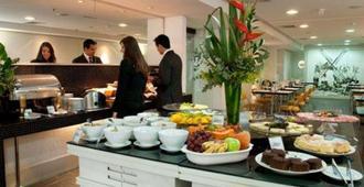 Quality Hotel Porto Alegre - Porto Alegre - Buffet