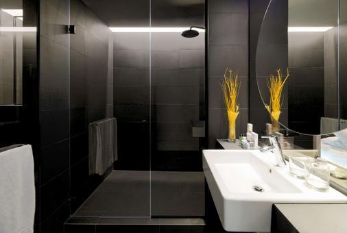 H10 Port Vell - Barcelona - Phòng tắm