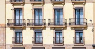 H10 Port Vell - Barcelona - Rakennus