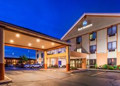 Best Western Inn & Suites of Merrillville - Merrillville - Rakennus