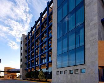Holiday Inn Express Nuevo Laredo - Nuevo Laredo - Gebouw
