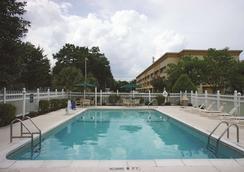 Wingate by Wyndham Brunswick - Brunswick - Pool