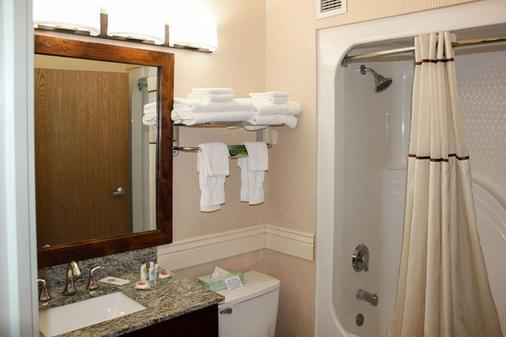 Comfort Inn Richfield I-70 - Richfield - Bathroom