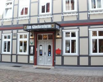 Hotel am Glockenturm - Küsten - Building