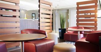 Campanile - Montpellier Le Millenaire - Montpellier - Sala de estar
