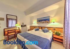 Hotel Voramar - Cala Millor - Bedroom