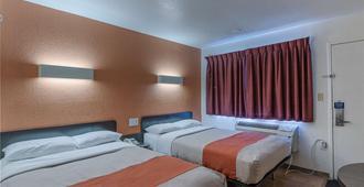 Motel 6 Oshkosh - Oshkosh - Κρεβατοκάμαρα