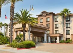 Country Inn & Suites by Radisson Ontario Mills, CA - Ontario - Building