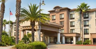Country Inn & Suites by Radisson Ontario Mills, CA - Ontario - Edificio