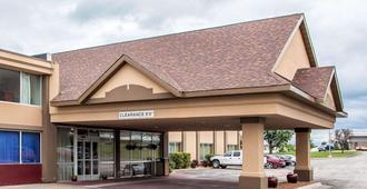 Quality Inn - Fort Dodge