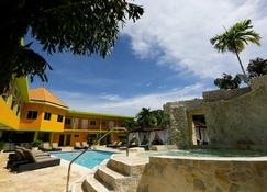 The Oasis Resort - Negril - Pool