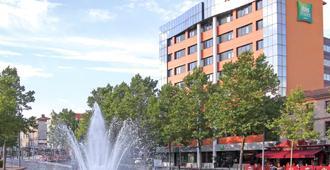 Ibis Styles Albi Centre Le Theatro - Albi - Building