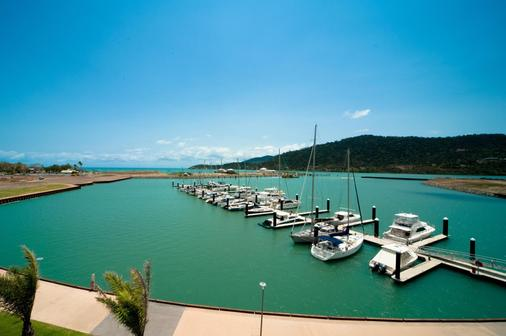 Mantra Boathouse Apartments - Airlie Beach - Attractions