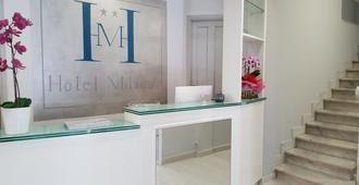 Hotel Milano - Pisa - Front desk