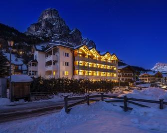Hotel Gran Fanes - Corvara in Badia - Building