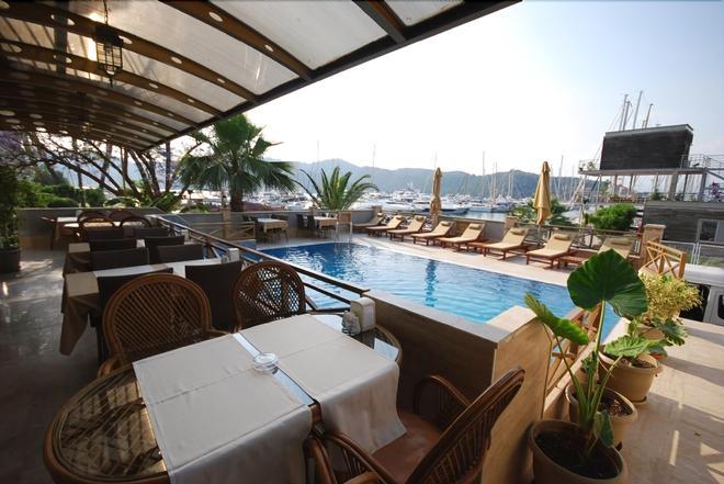 Hotel Doruk - Fethiye - Pool