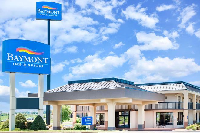 Baymont by Wyndham Clarksville Northeast - Clarksville - Building