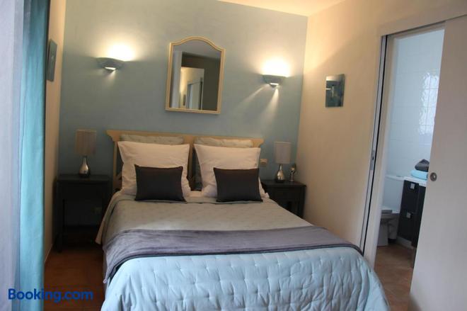 Villa Des Cammaous - Saint-Jean-de-Cuculles - Bedroom