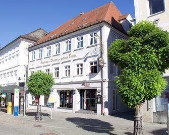 Hotel Goldene Traube - Gunzburg - Edificio