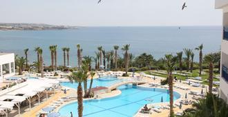Ascos Coral Beach Hotel - Paphos - Pool