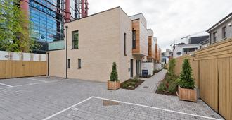 The Seamus Heaney Suite - hiphipstay - Dublin - Building