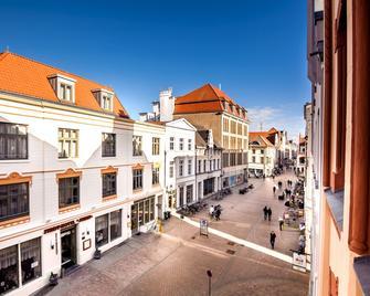 Stadthotel Stern - Wismar - Outdoors view