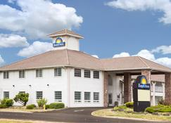 Days Inn by Wyndham Ocean Shores - Ocean Shores - Rakennus