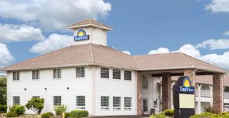 Days Inn by Wyndham Ocean Shores - Ocean Shores - Building