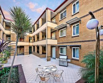 Comfort Inn & Suites Burwood - Burwood - Будівля