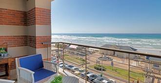 Surferscorner - Cape Town - Balcony