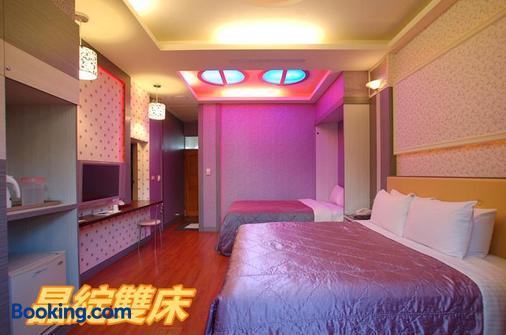 櫻花村汽車旅館 - 南投市 - 臥室
