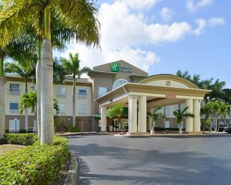 Holiday Inn Express & Suites Florida City-Gateway To Keys - Florida City - Building