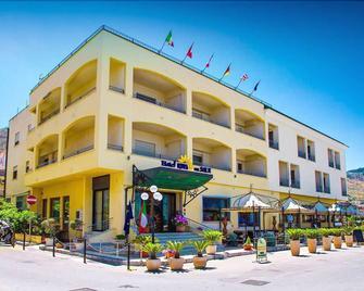 Hotel Riva del Sole - Cefalù - Building