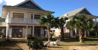 Ocean Jewels Resort - Grand'Anse Praslin - Building
