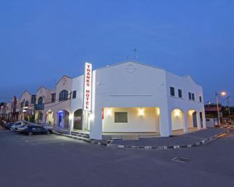 Thanks Hotel - Parit Buntar - Building