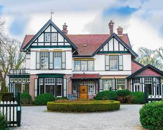 Residentie Villa de Wael - Domburg - Building