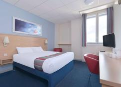 Travelodge Cardiff Central - Cardiff - Bedroom