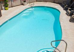 Canyons Boutique Hotel - A Canyons Collection Property - Kanab - Piscina
