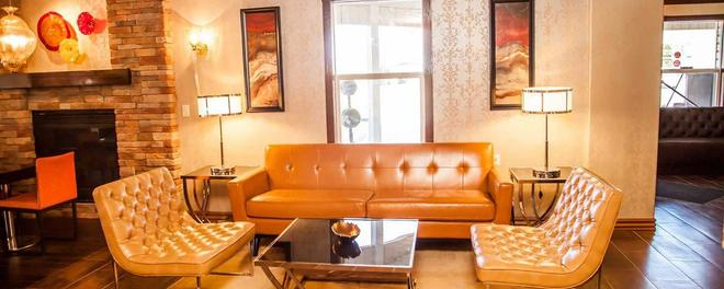 Canyons Boutique Hotel, a Canyons Collection Property - Kanab - Living room