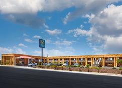 Quality Inn - Parker - Building