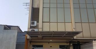 Traveller Home Ruko Duta - Hostel - Tangerang City - Building