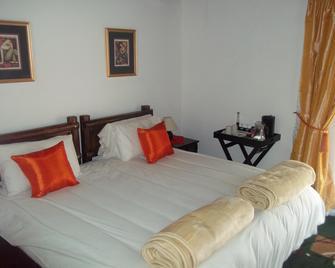 Valverde Country Hotel - Lanseria - Bedroom