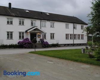Grong Gård Guesthouse - Grong - Building